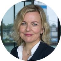 Frau Anke Bornemann